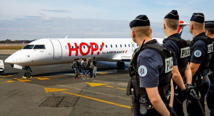 Des aurillacois sommés de monter dans l'avion à destination de la capitale.